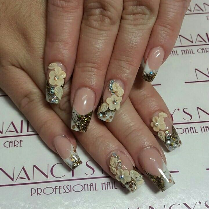 Uñas acrilicas con cover pink, white french, new orleans collection, crystal clear, decoracion en 3d y cristales