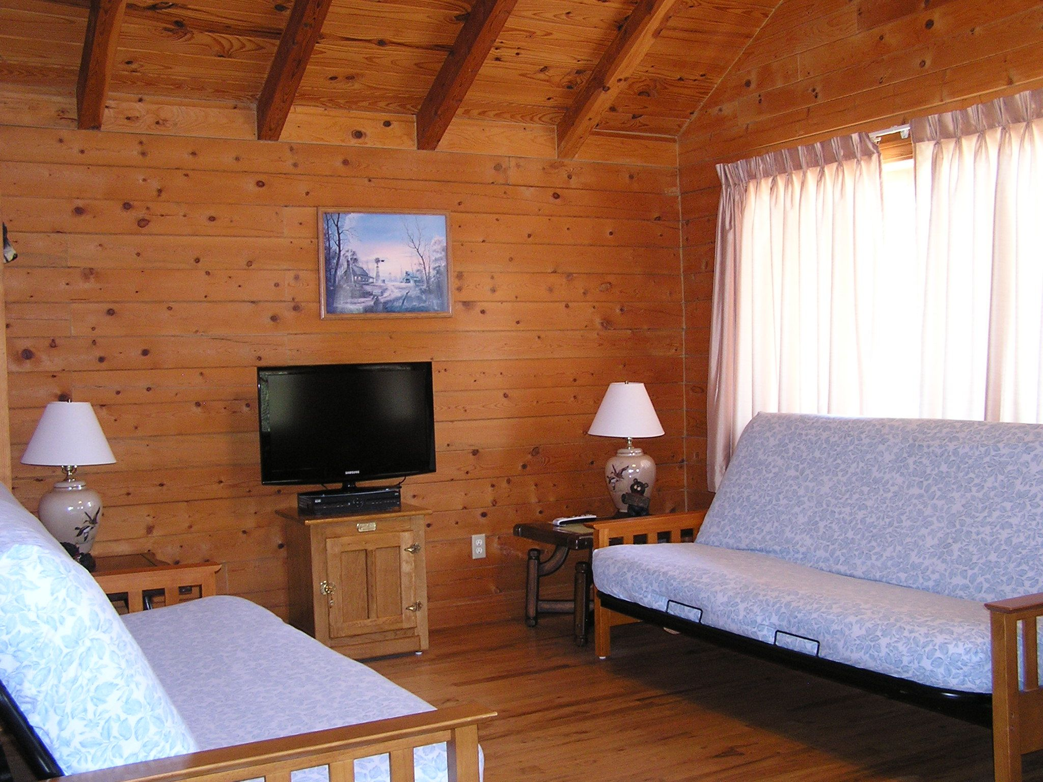 Relax With All The Comforts Of Home Plus Water Sports Fishing Gorgeous Scenery And Individual Lakefront Cabins And Cotta Cabins And Cottages Branson Vacation