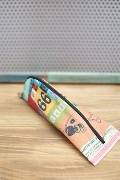 Cómo coser una caja de lápices o compone el bolso con un tutorial de bricolaje postal.