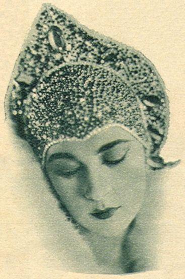 Nita Naldi, an American silent film actress, wearing a kokoshnik. Circa 1920s – 1930s. #Russian_costume #old_photographs