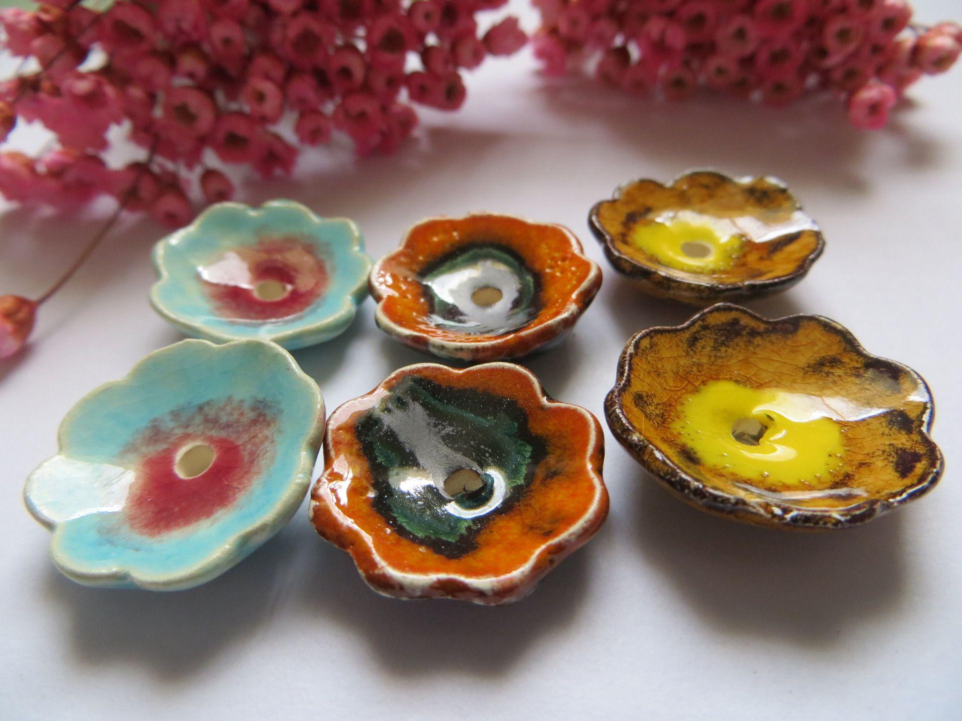 fr_3_paires_perles_fleurettes_createur_ceramique_moo_ambre_et_jaune_turquoise_et_rouge_ambre_et_jaune_