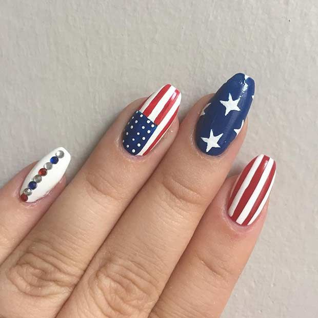 31 Patriotic Nail Ideas For The 4th Of July Stayglam Flag Nails American Flag Nails Patriotic Nails Design
