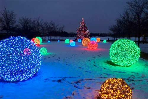 christmas light balls are extremely popular outdoor christmas decorations that are unique in appearance learn to diy christmas light balls - Neon Outdoor Christmas Decorations