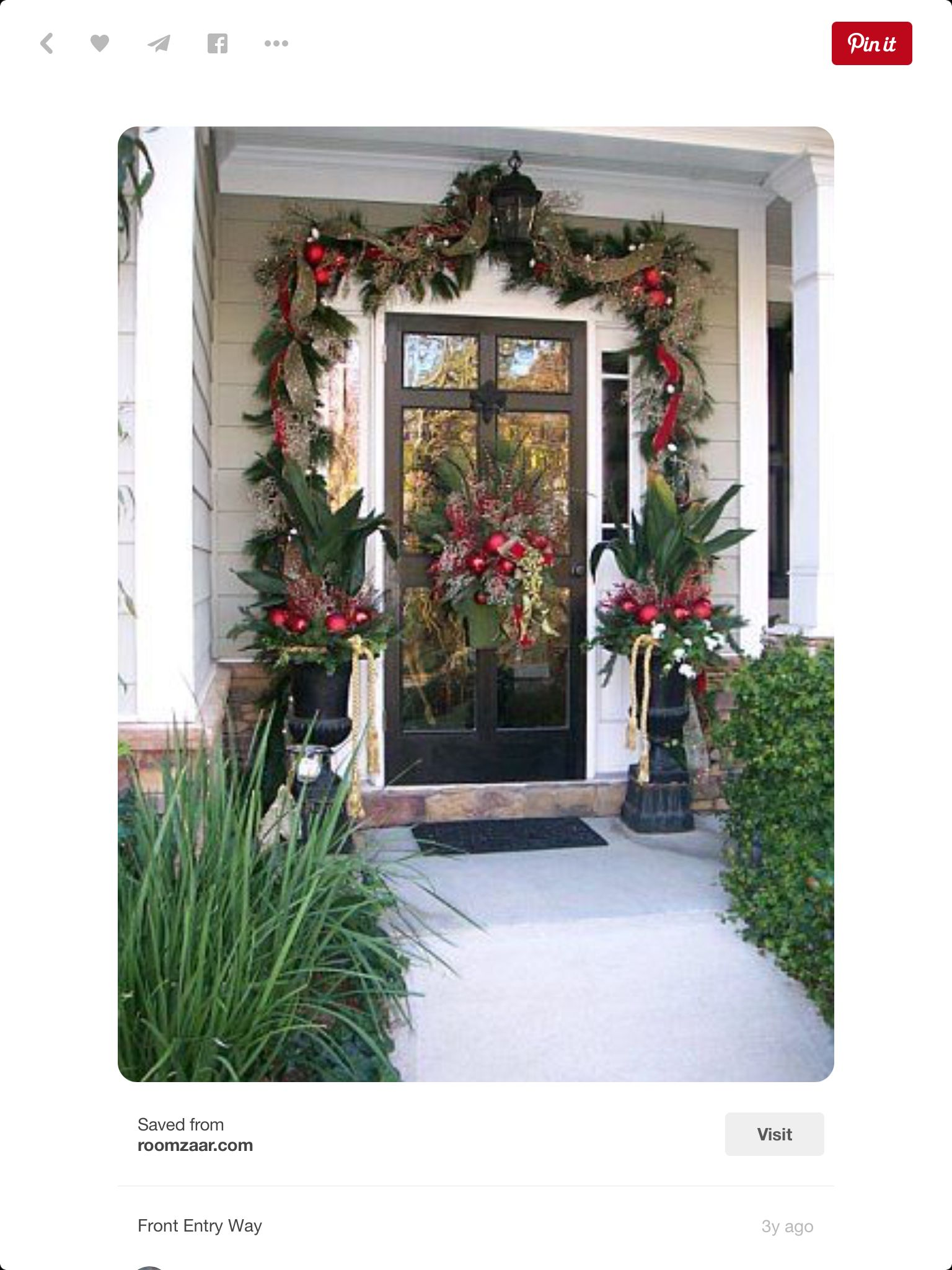 Beautiful Holiday Front Entrance