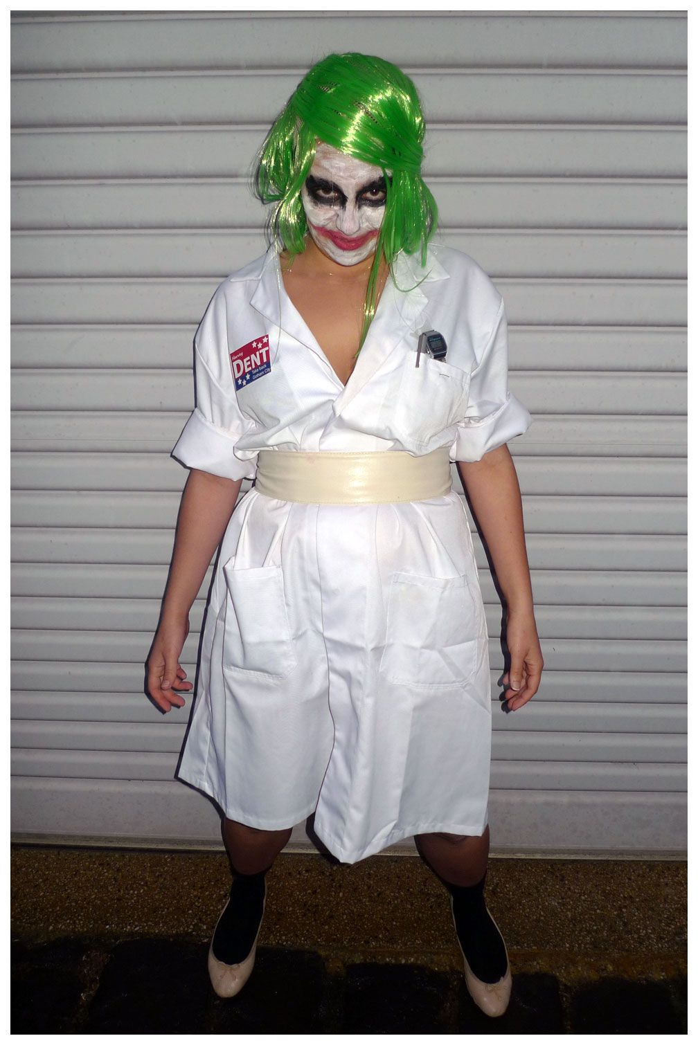 8a936cf2aeda7 Heath Ledger Joker Nurse Costume. Get more #costume and #Halloween  inspiration on this blog! Over 400 homemade, DIY costume ideas!