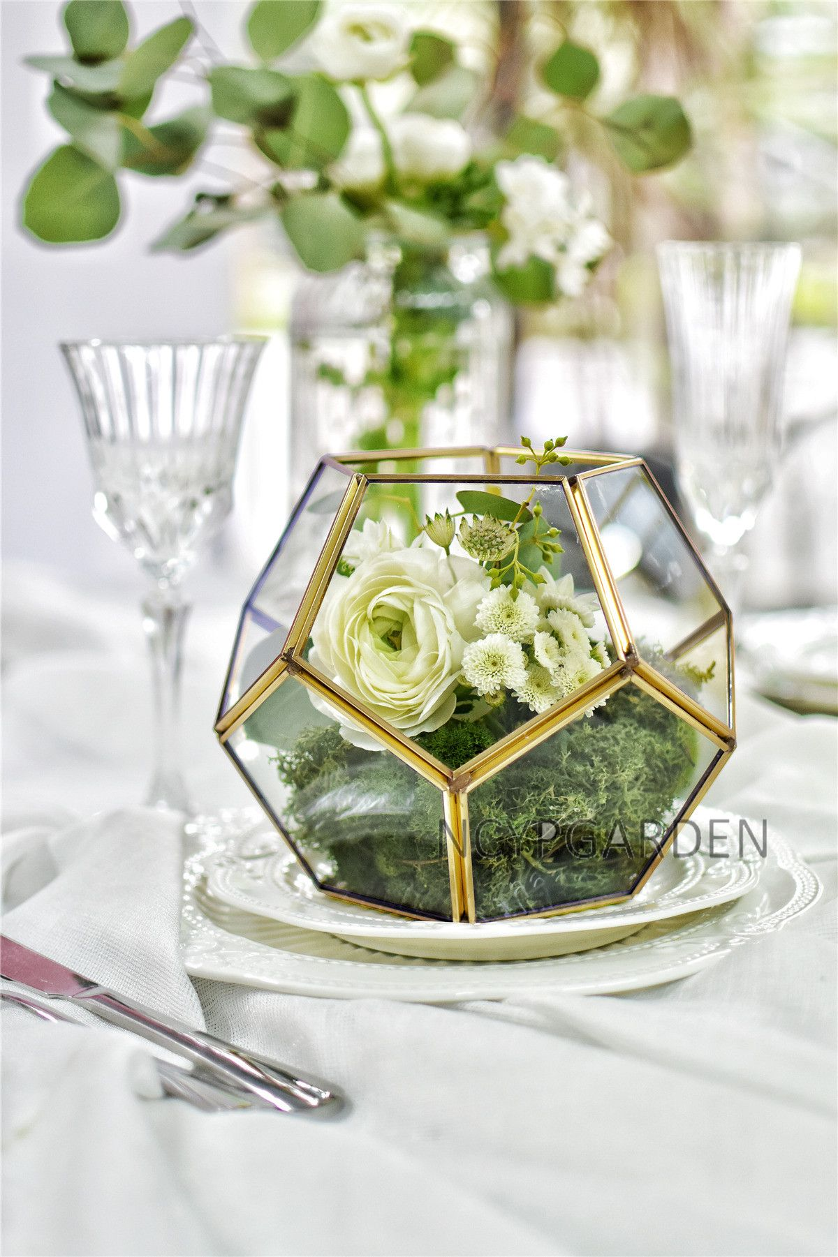 Gold Copper Brass Tabletop Geometric Pentagon Ball Shape Open Fern