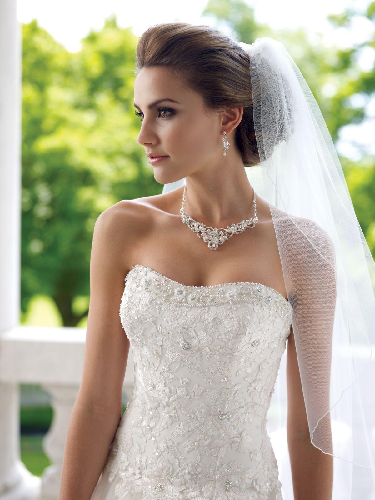 как подобрать украшение к свадебному платью фото