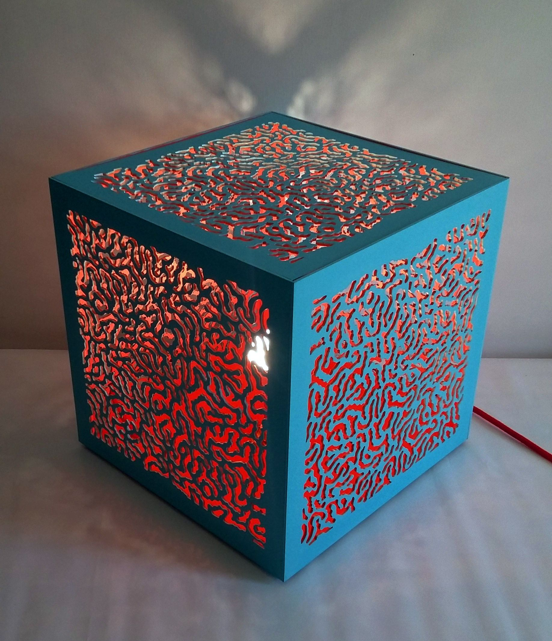 Lampe  poser turquoise et corail bois 30 30 30 cm boutique