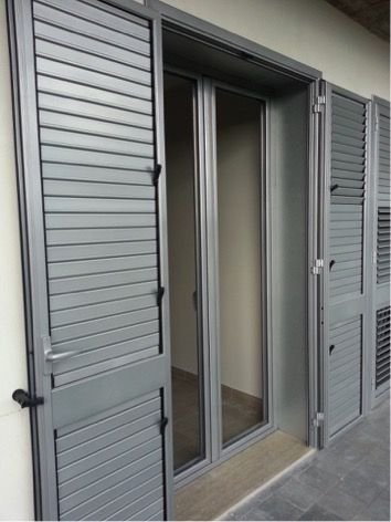 Tende Per Esterni In Pvc.Serramenti In Legno Alluminio O Pvc Finestre Esterne