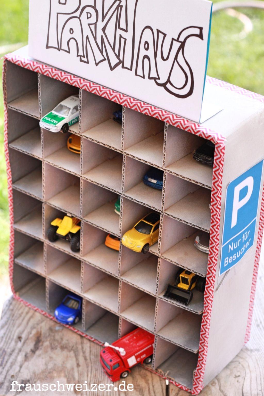 Diy Anleitung Ein Parkhaus Fur Kleine Autos Basteln Auto Basteln Kleine Autos Kinderspielzimmer