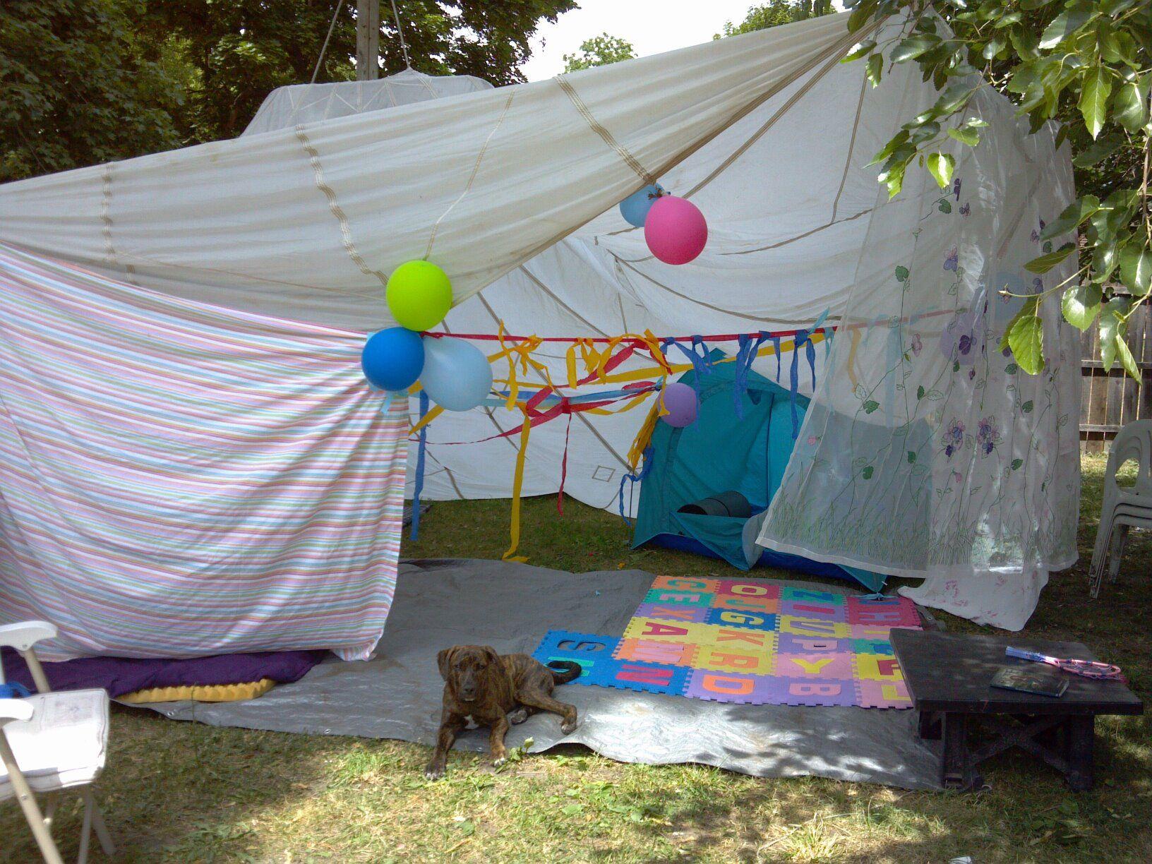 Parachute u0026 Sheet Tent w. & Parachute u0026 Sheet Tent w.puppy :) | Everything Sleepover ...