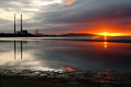 Poolbeg Chimneys, Dublin photo by @Dawn2DuskTours