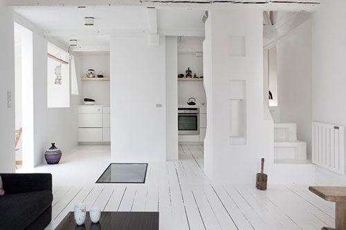 Houten vloer wit schilderen nieuwe huis in