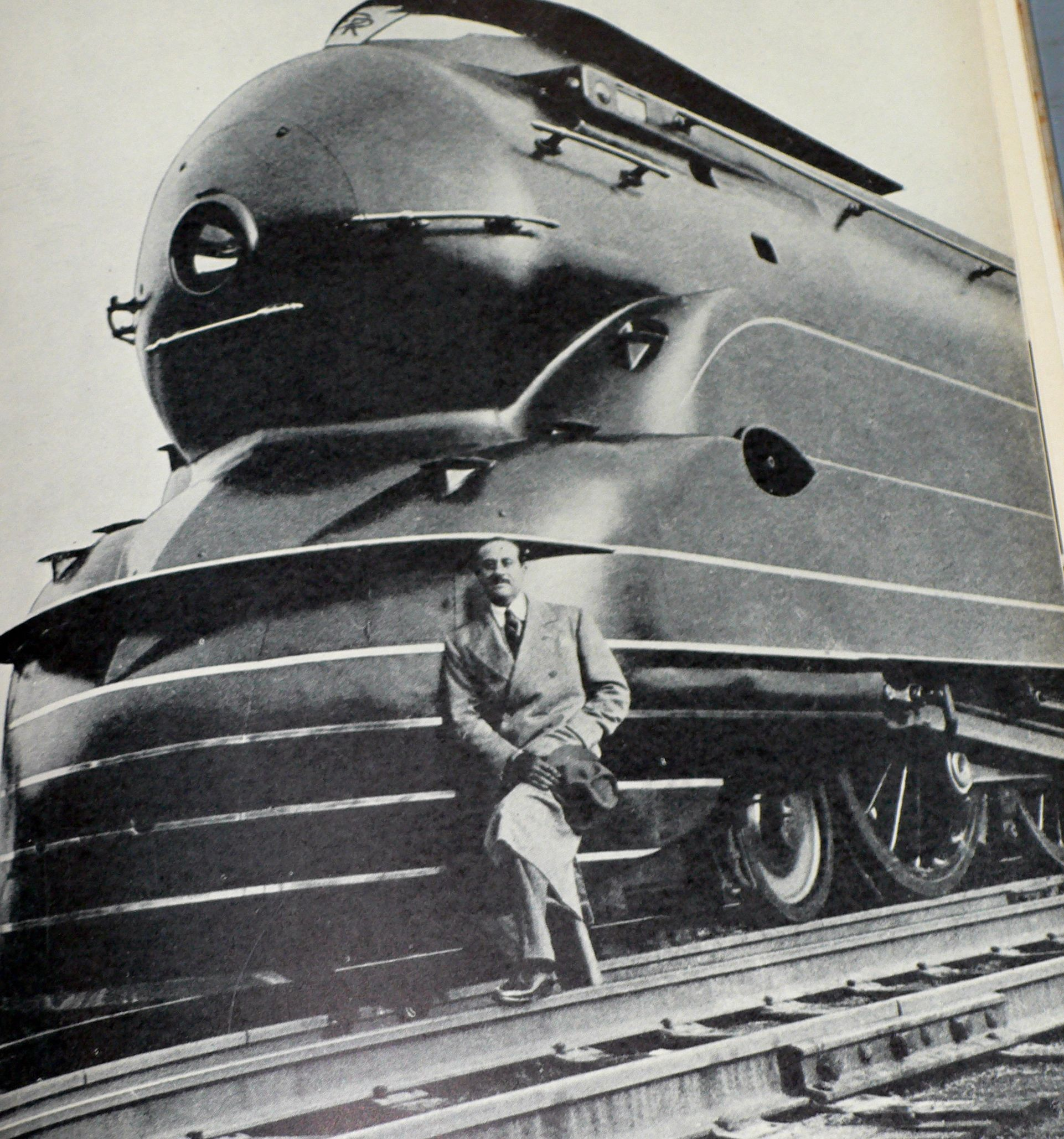 Art Deco Train Prr T1 - Year of Clean Water