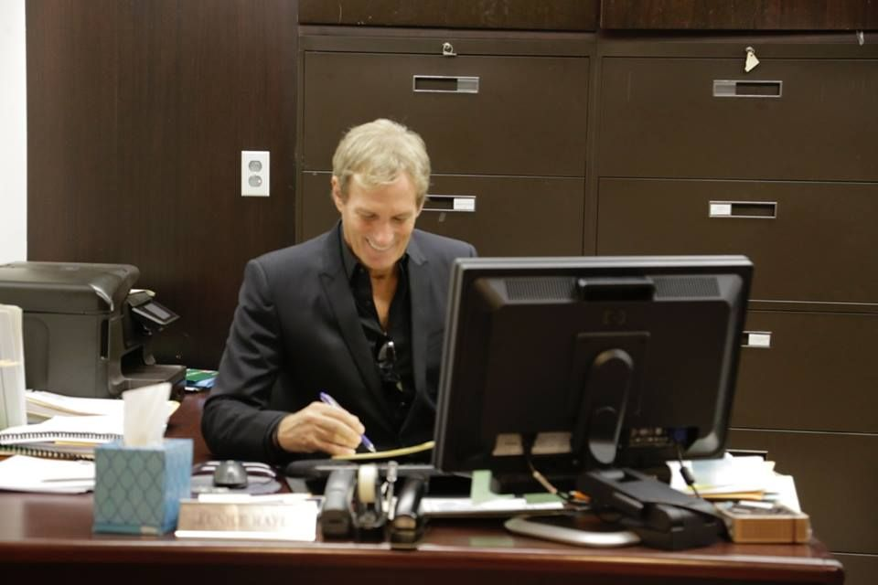 Michael Visiting Mayor Mike Duggan In His Detroit Office On 23rd October 2014 Michael Bolton Michael Romantic Music
