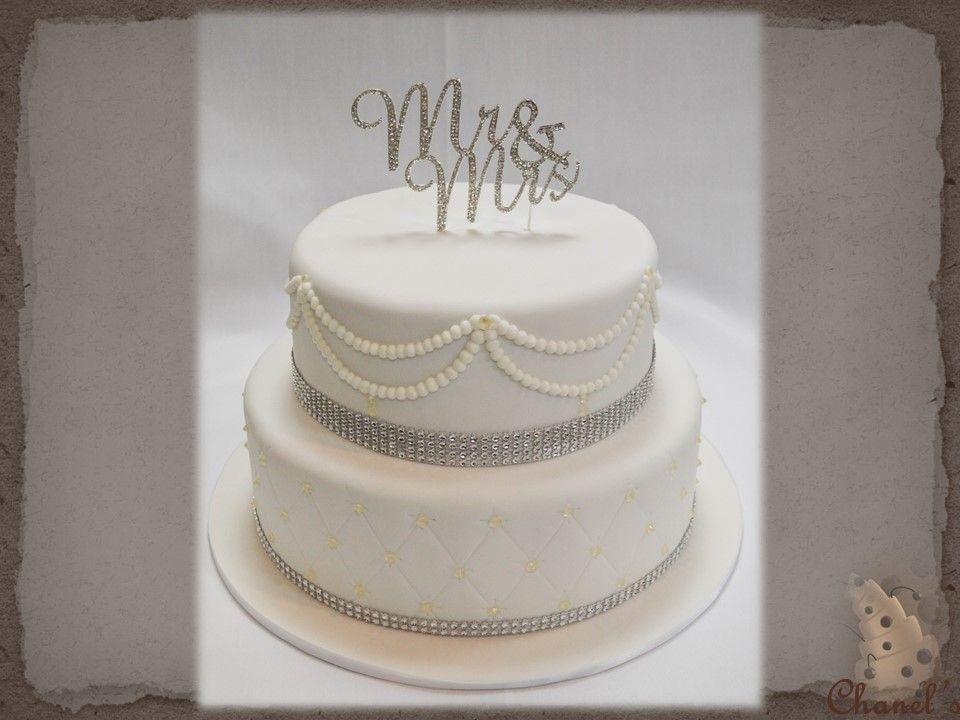 Diamante & Diamonds Wedding Cake...................... 2