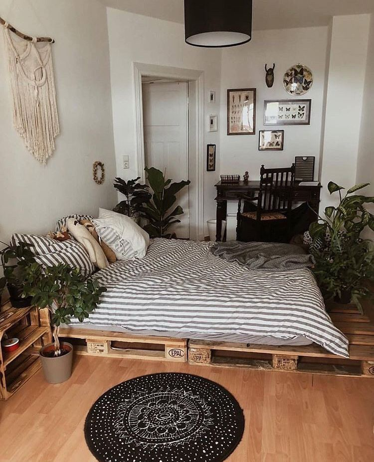 The best ways to decorate your bed on floor bedroom loft industrial style also rh pinterest