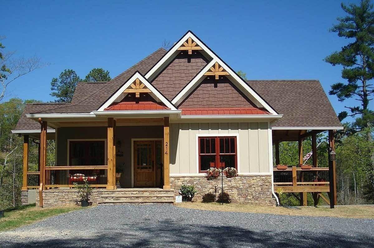 42 Minimalist Home Exterior Design Model Rustic Farmhouse 2019 | Lake house  plans, House exterior, Craftsman lake house