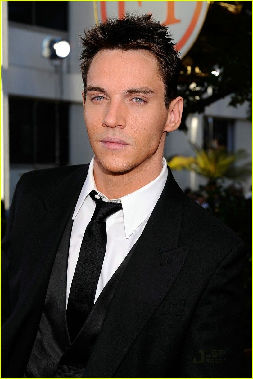 Jonathan Rhys Meyers (born 1977)