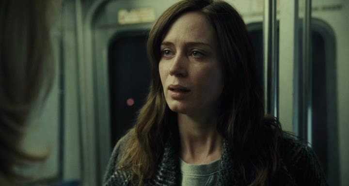 Картинки по запросу Девушка в поезде | Поезд, Картинки