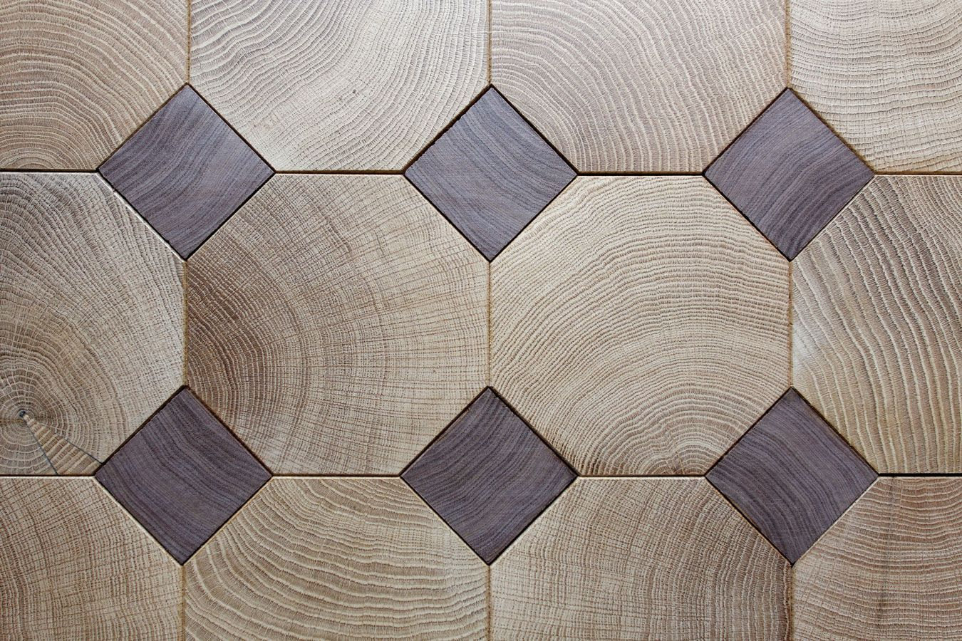 Octogones En Chene Bois Debout Et Cabochons En Noyer Us Bois Debout Idee De Decoration Plancher Bois