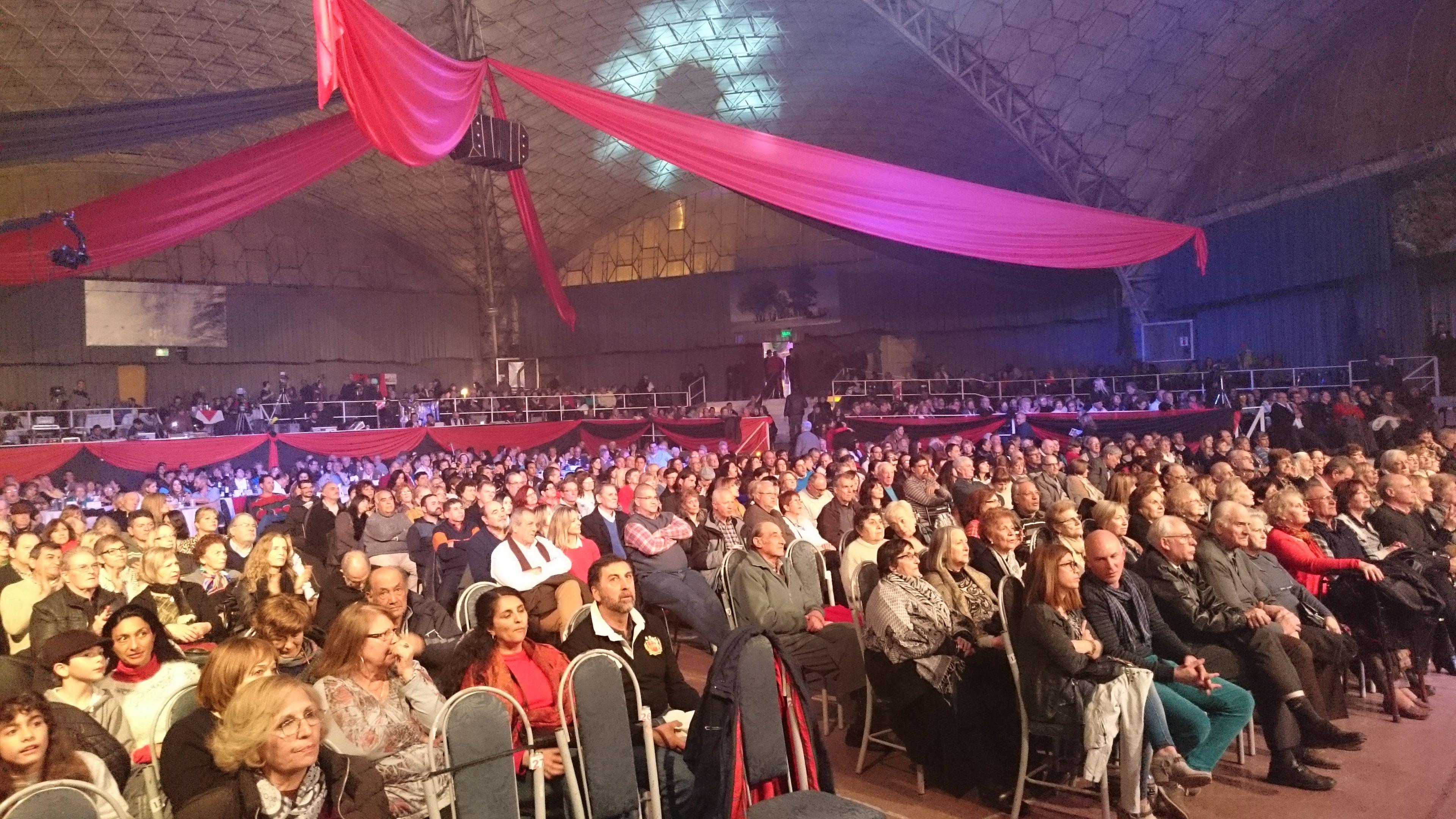 El auditorio Carlos Gardel de La Falda vive el #Tango2016