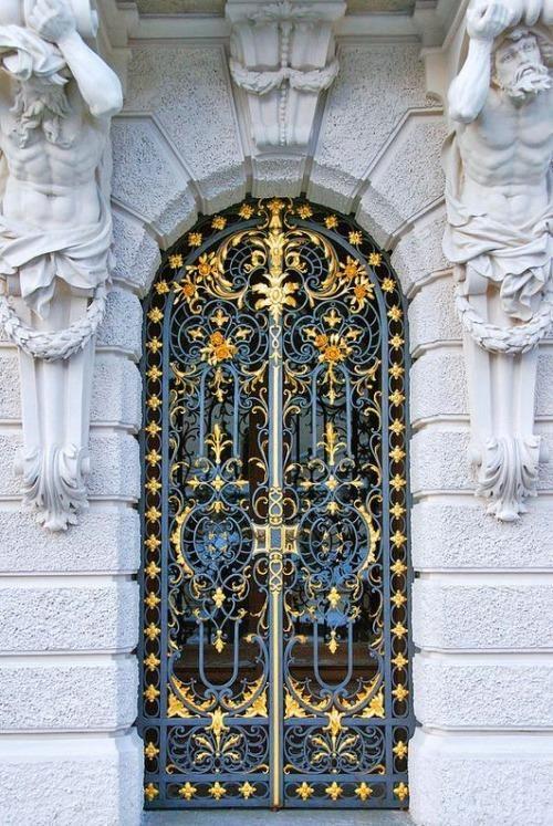 Beautiful Door Linderhof Palace Germany Beautiful Doors Cool Doors Unique Doors