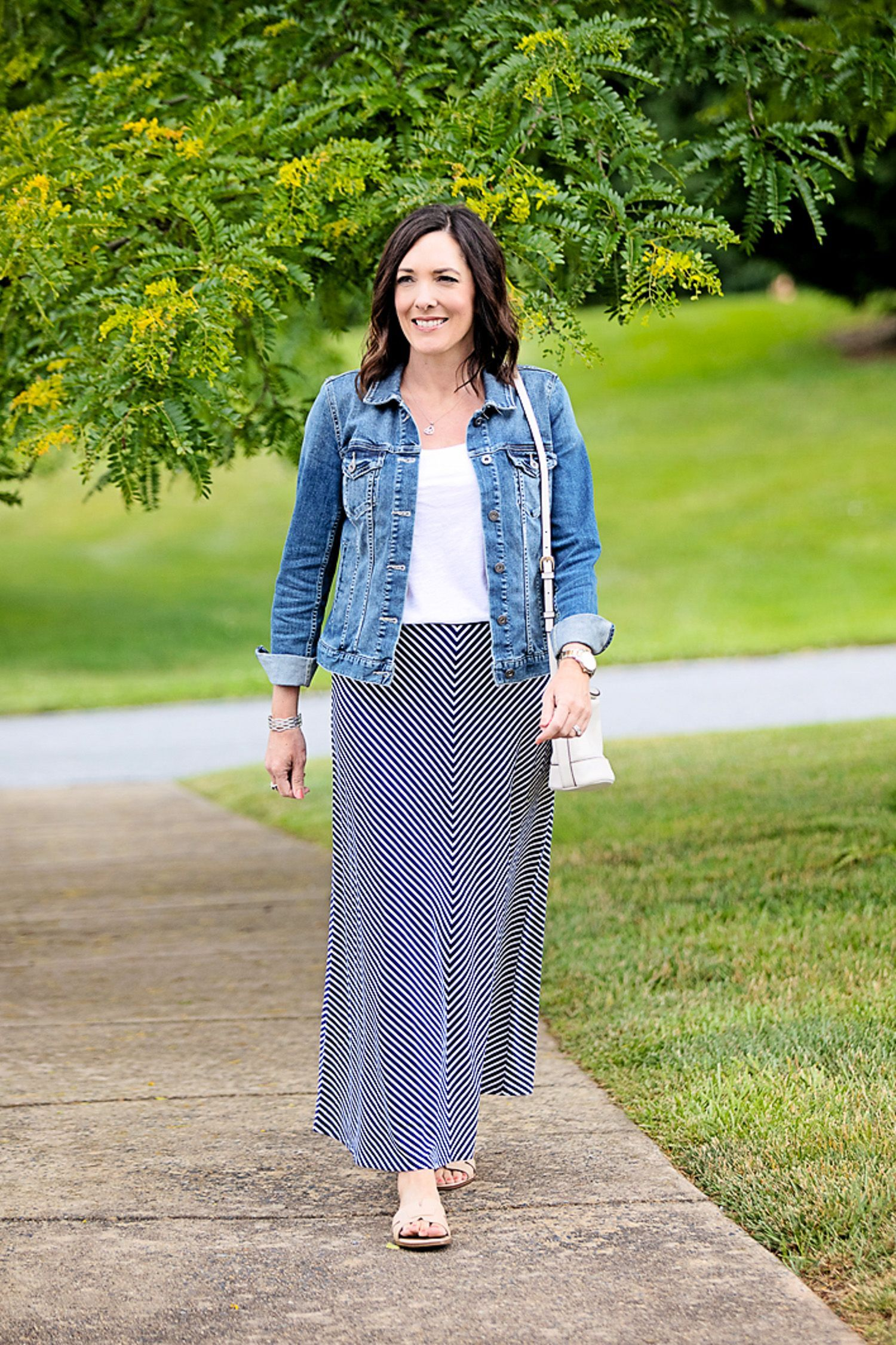 chevron #outfit #summer #camuto #jacket #gianna #slides