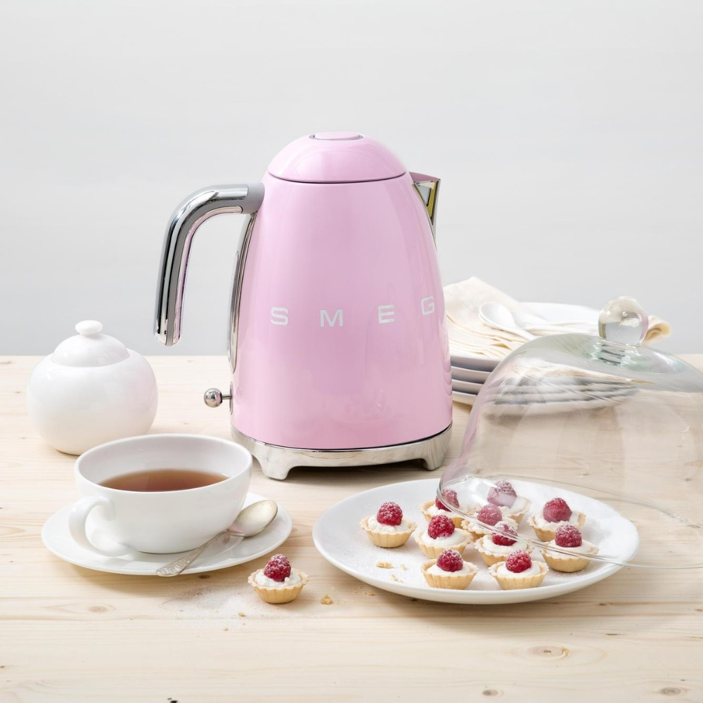 Search For Deals This Black Friday And Cyber Monday 2018 On Smeg Kettles Look For Low Prices On This Stylish Retro Look Kett Smeg Kettle Electric Kettle Smeg