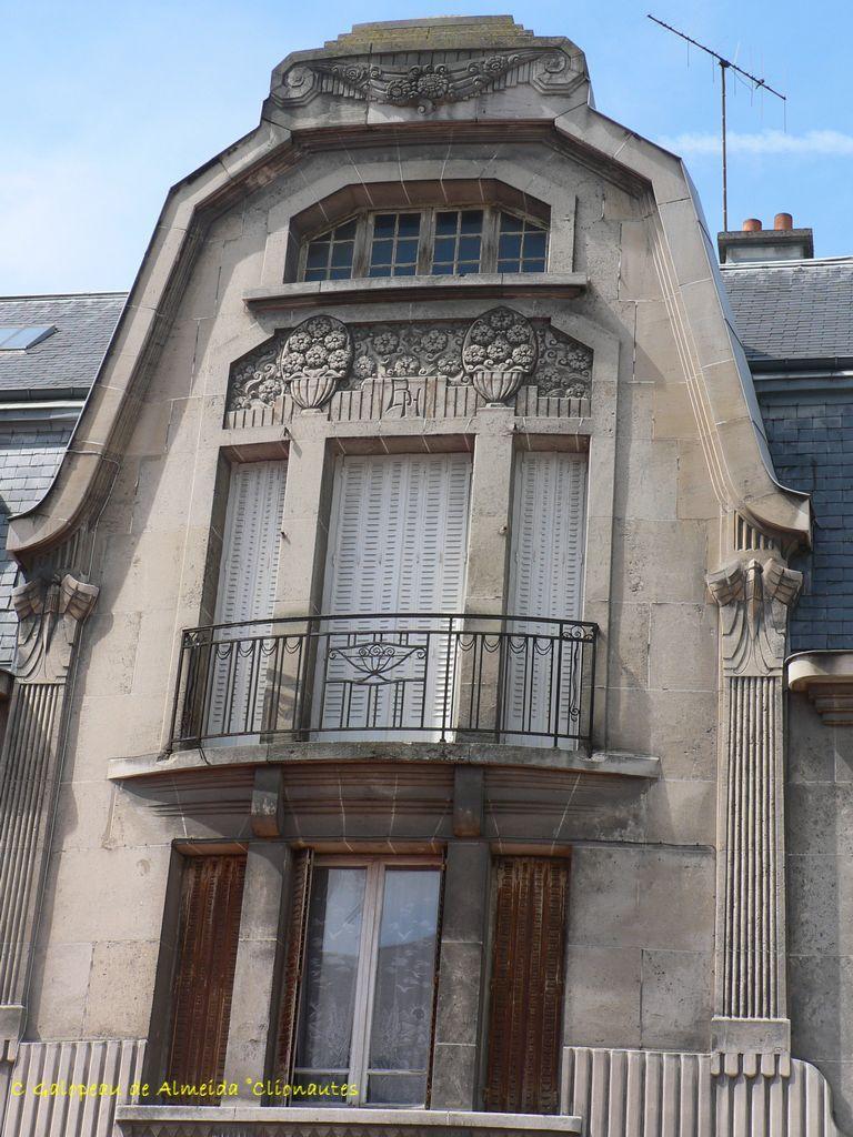 Facade Art Deco Rue De Condorcet A Reims From Clio Photo En 2020 Art Deco Reims Facade