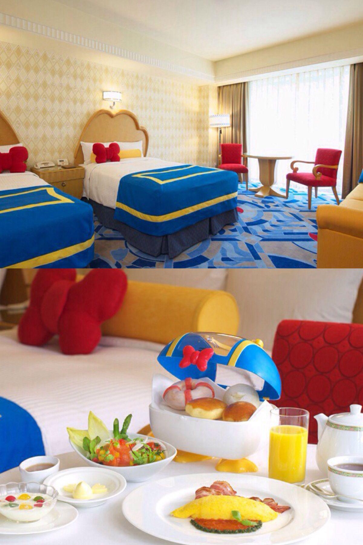 Donald Duck Themed Room At The Ambassador Hotel At Tokyo Disneyland My Fantasies Pinterest