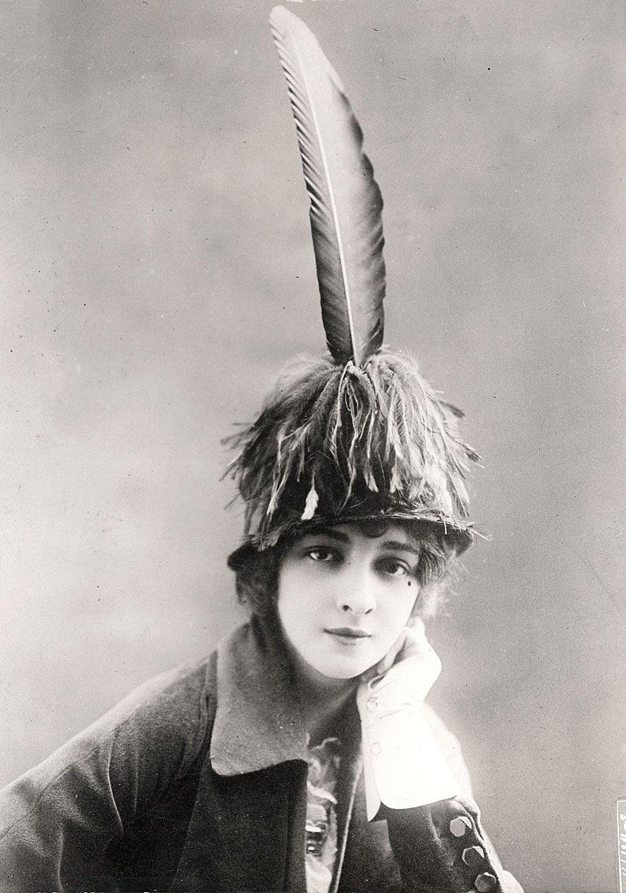 Weird Historical Hats 1
