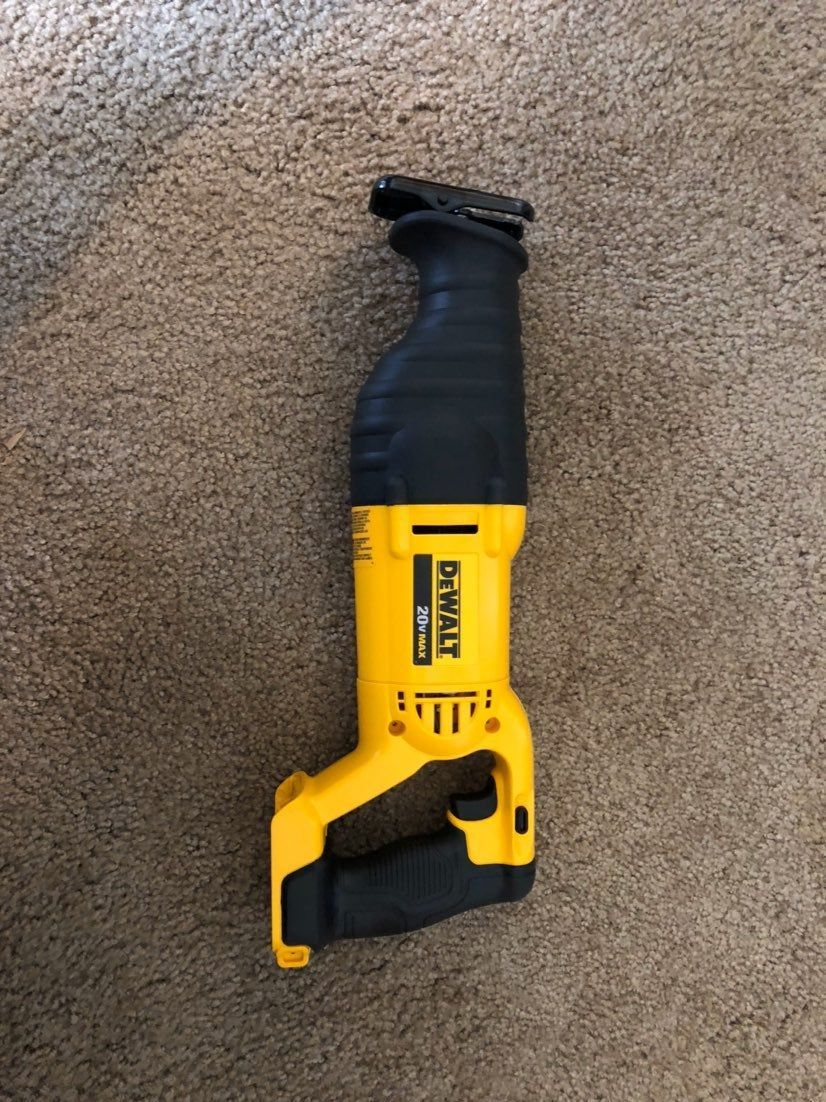 Pin on reciprocating saw