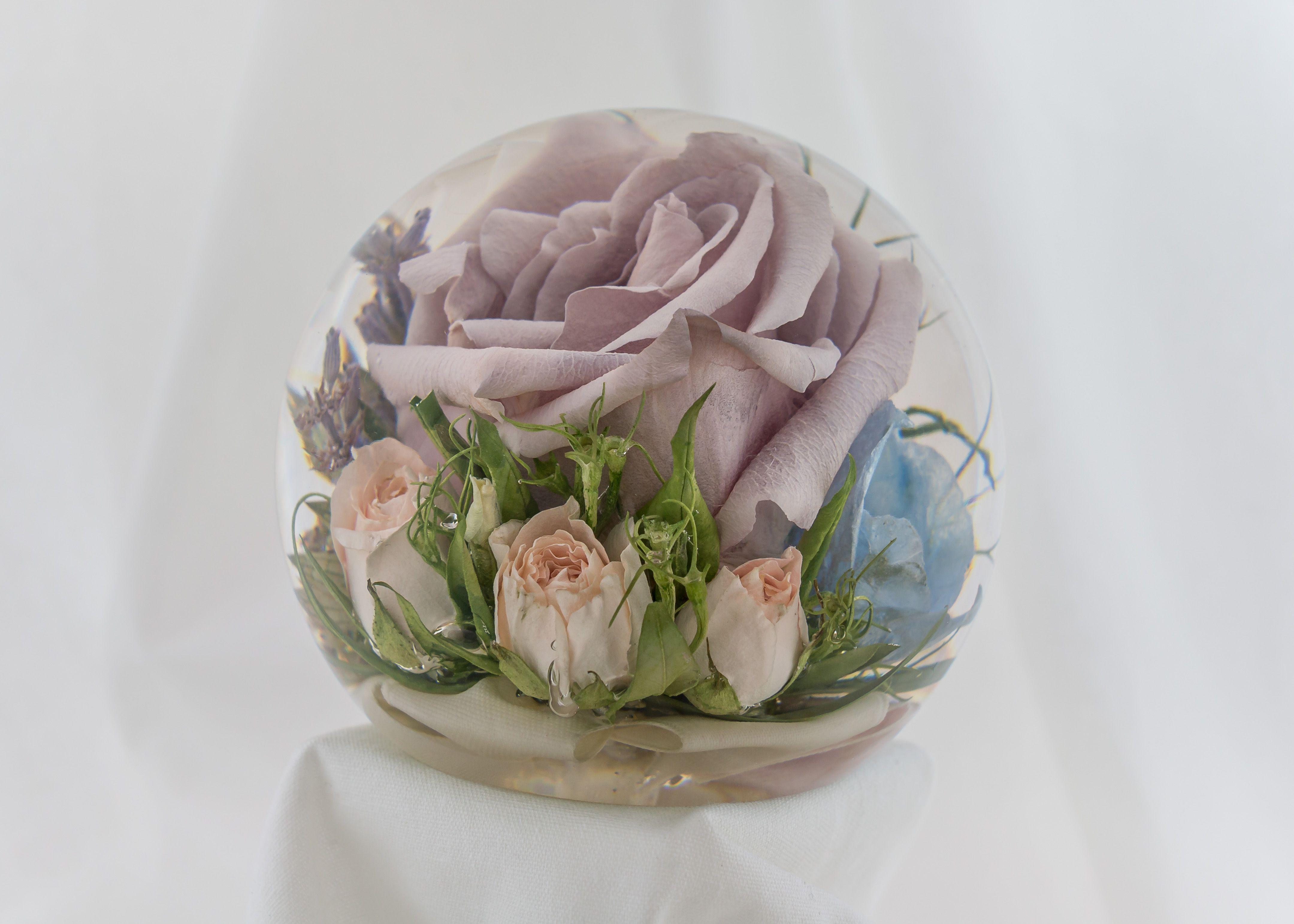 Stunning 3 5 Bespoke Flower Paperweight After The Wedding