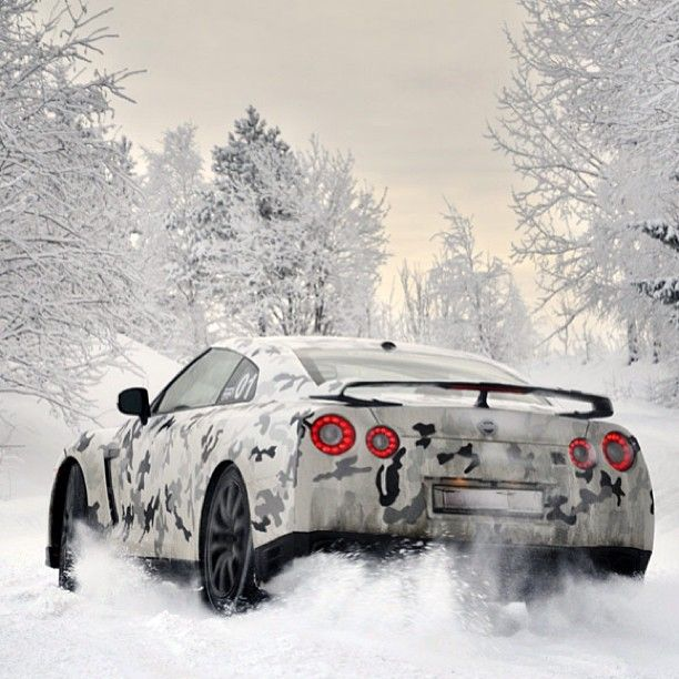 Camo Nissan GT R Having Fun In The Snow