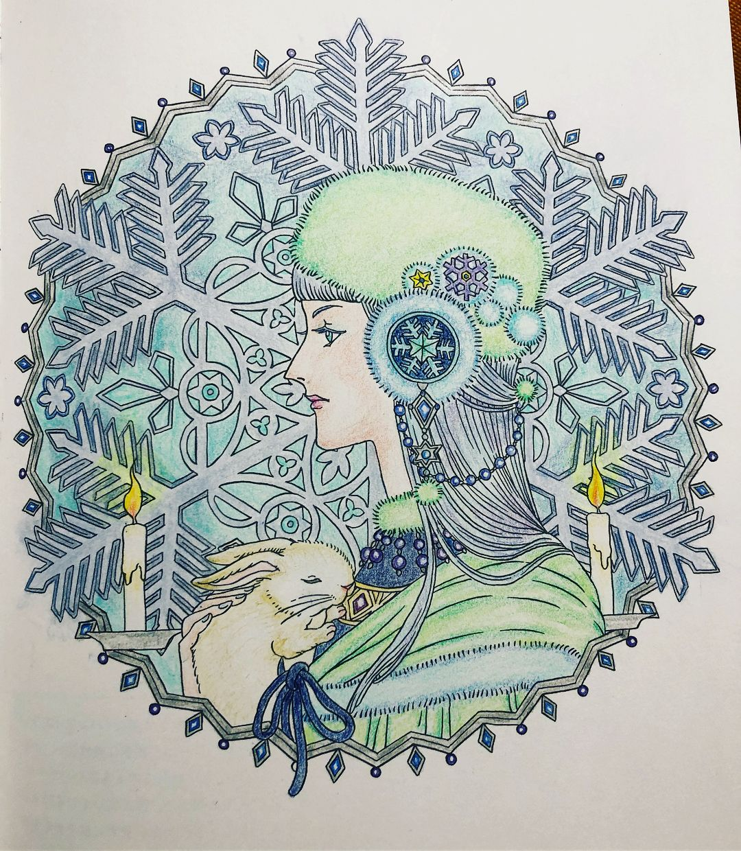 約一週間で塗りました マンダラコロリアージュの雪の女神さま 女