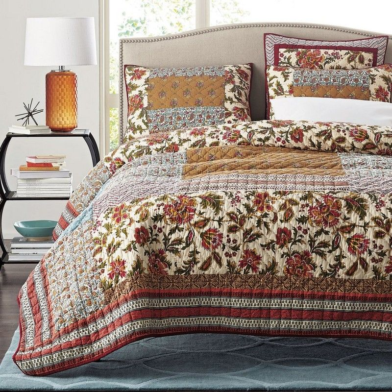 Soraya Quilt A Global Chic Melting Pot Of Indian Paisleys Jacobean Florals And Tribal Geometrics The Soraya Qui Bed Spreads Quilted Coverlet Bedspread Set
