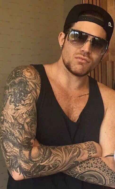 Adam lambert sexy tattoo