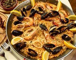 Overheerlijke paella wordt in Alicante en in Valencia het lekkerste gegegeten...