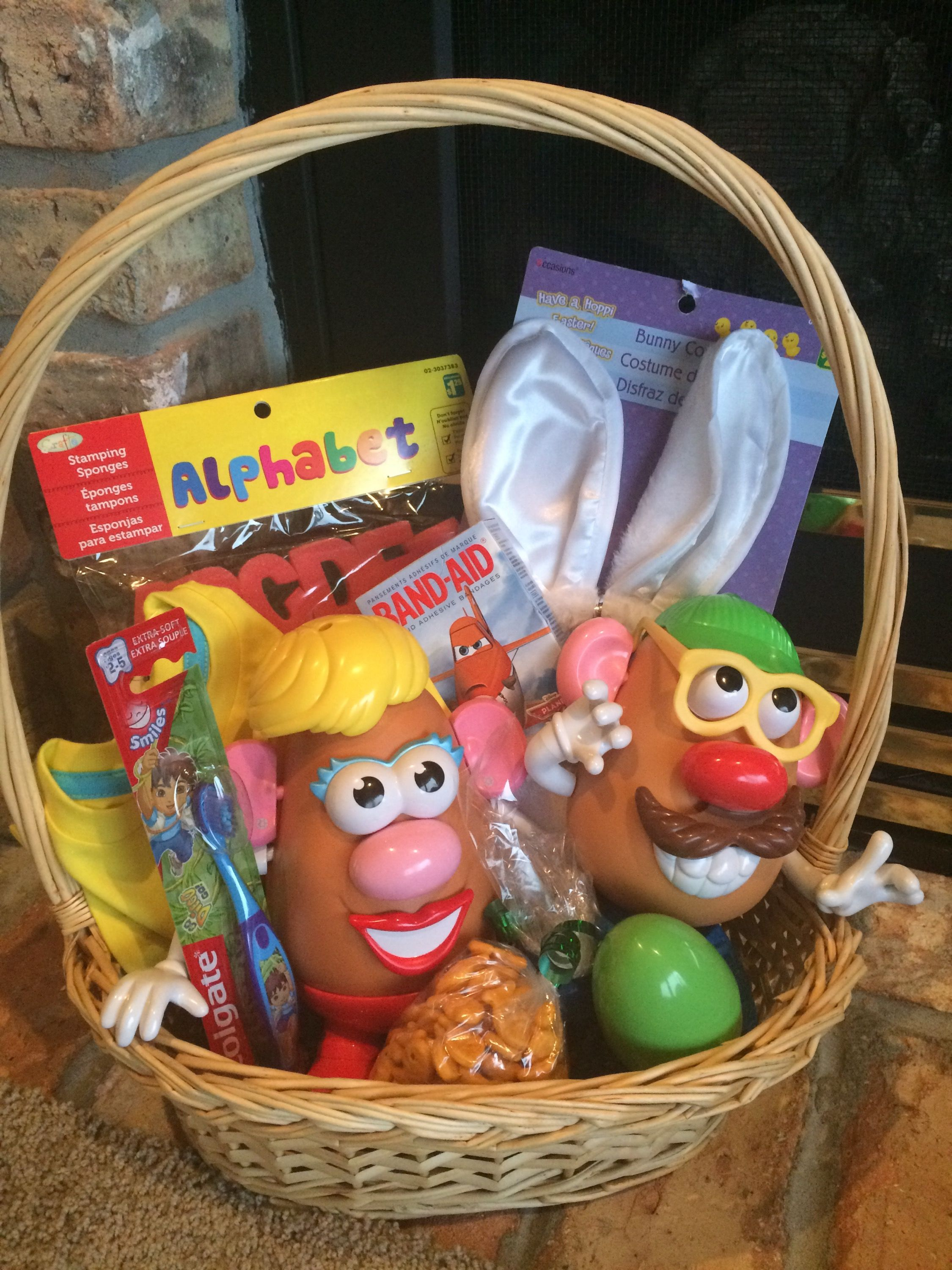 Easter basket ideas that arent chocolate basket ideas easter easter dozens of great easter basket ideas that are not chocolate negle Gallery