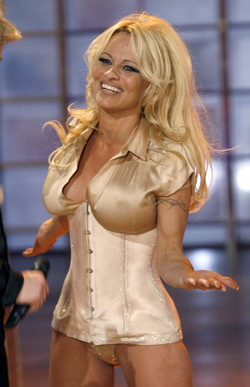 Pamela Anderson Nude Here Are Some Pics Of Pamela Anderson At Some German Tv Event