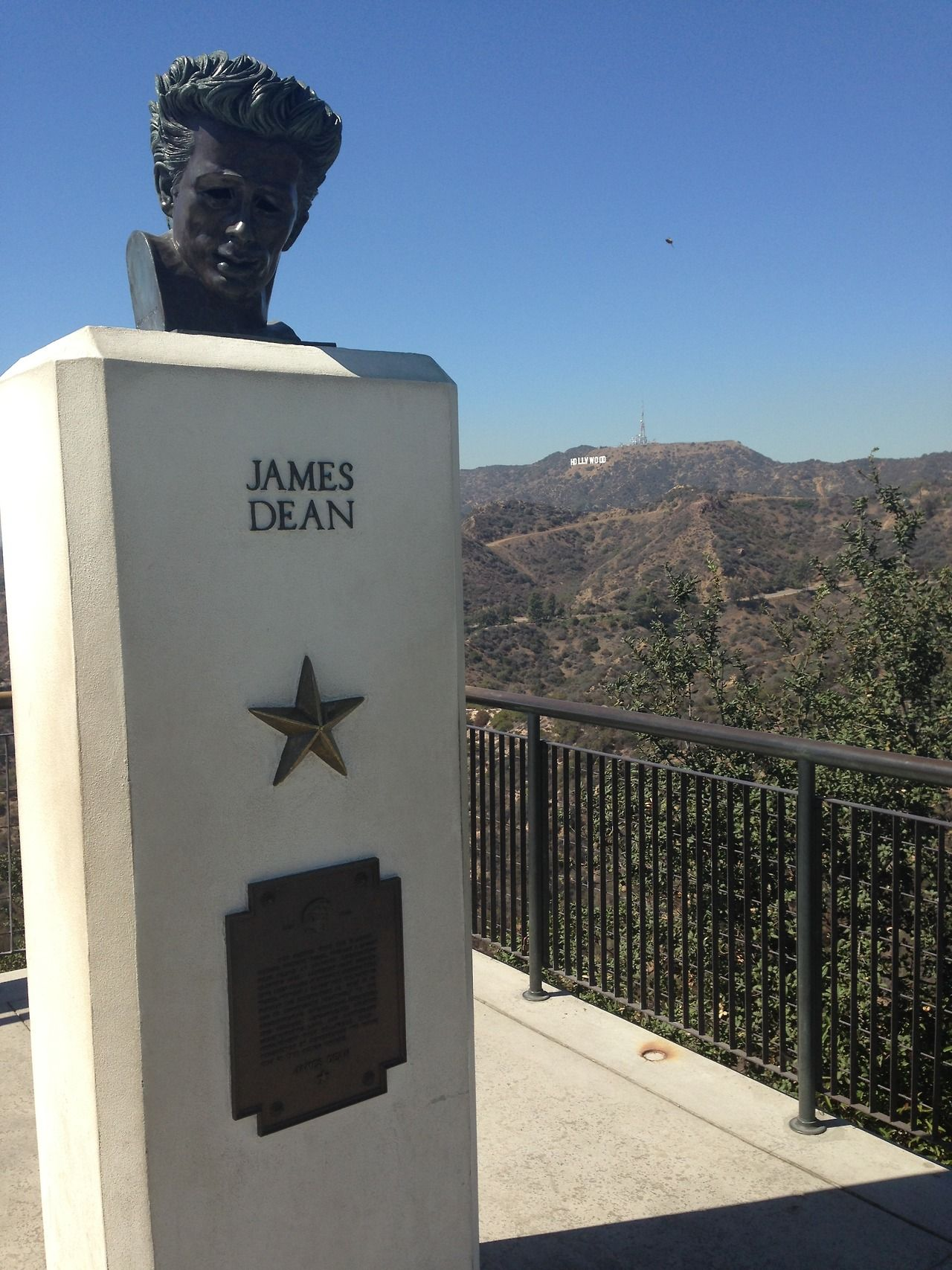 James Dean Memorial bust at Griffith Park Observatory 2800 ...