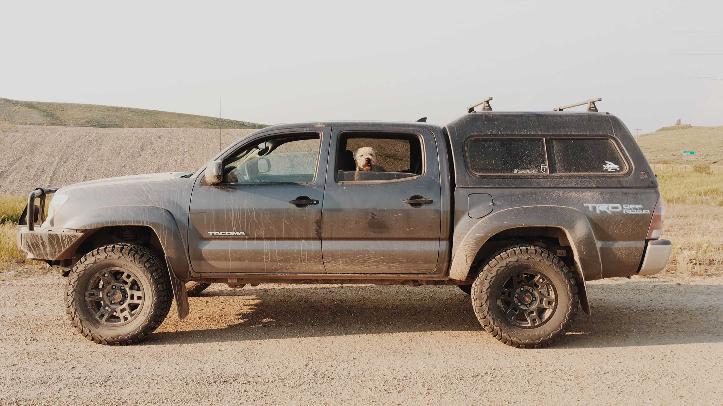 Toyota Tacoma Truck Cap >> How To Trick Out Your Kickass Truck Tacoma Tacoma Truck Toyota