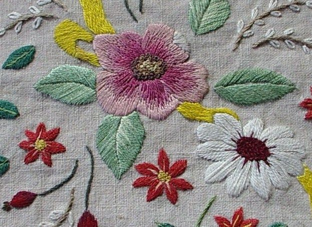 Flowers close-up by needles and things, via Flickr