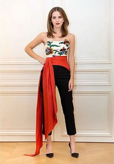 5125f401f89a Emma Watson s Beauty and the Beast Eco-Friendly Outfits - Oscar de la Renta  top and pants