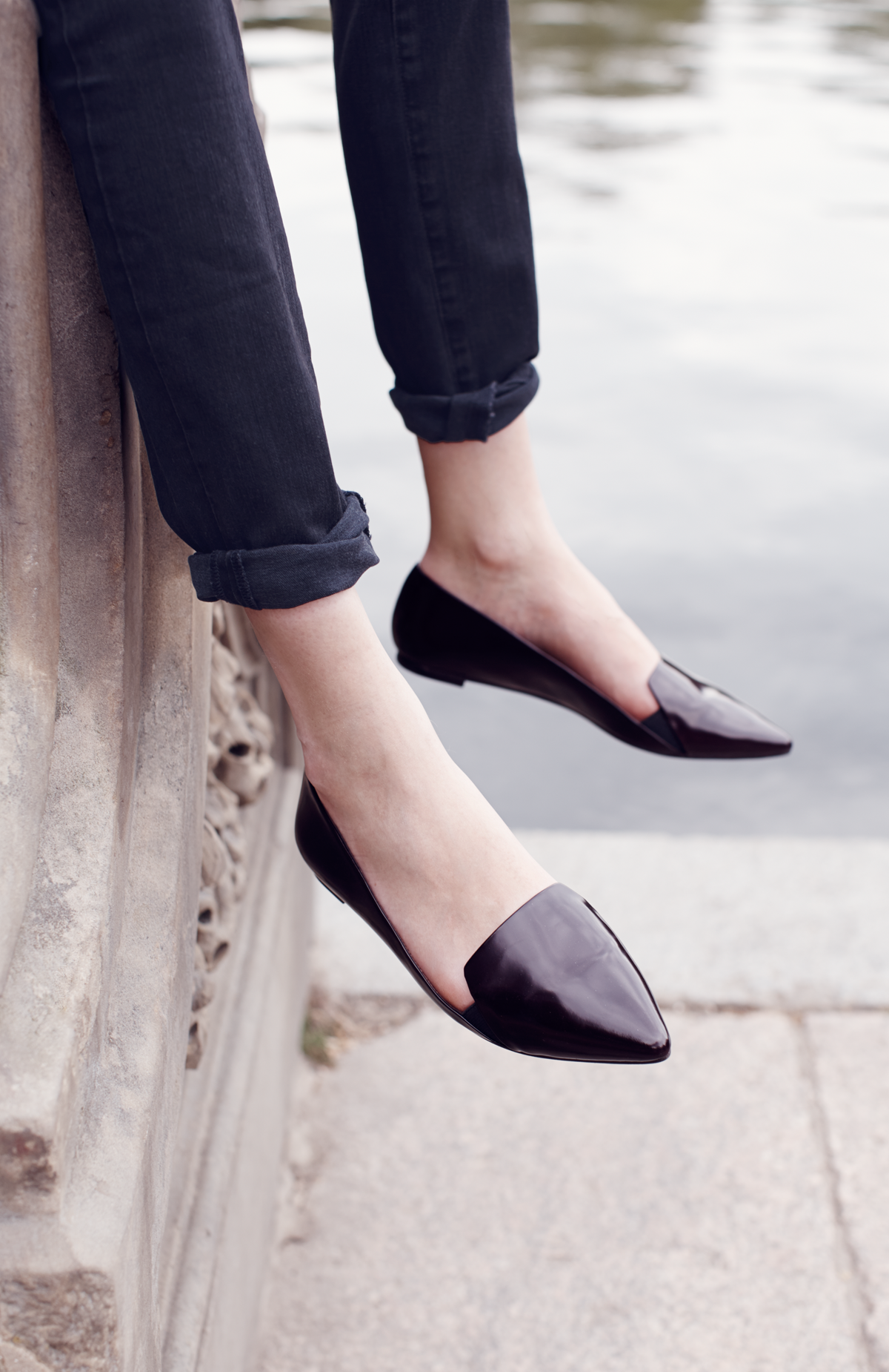 509878de37 Black jeans and classic flats. | shoes | Fashion shoes, Shoes és Fashion