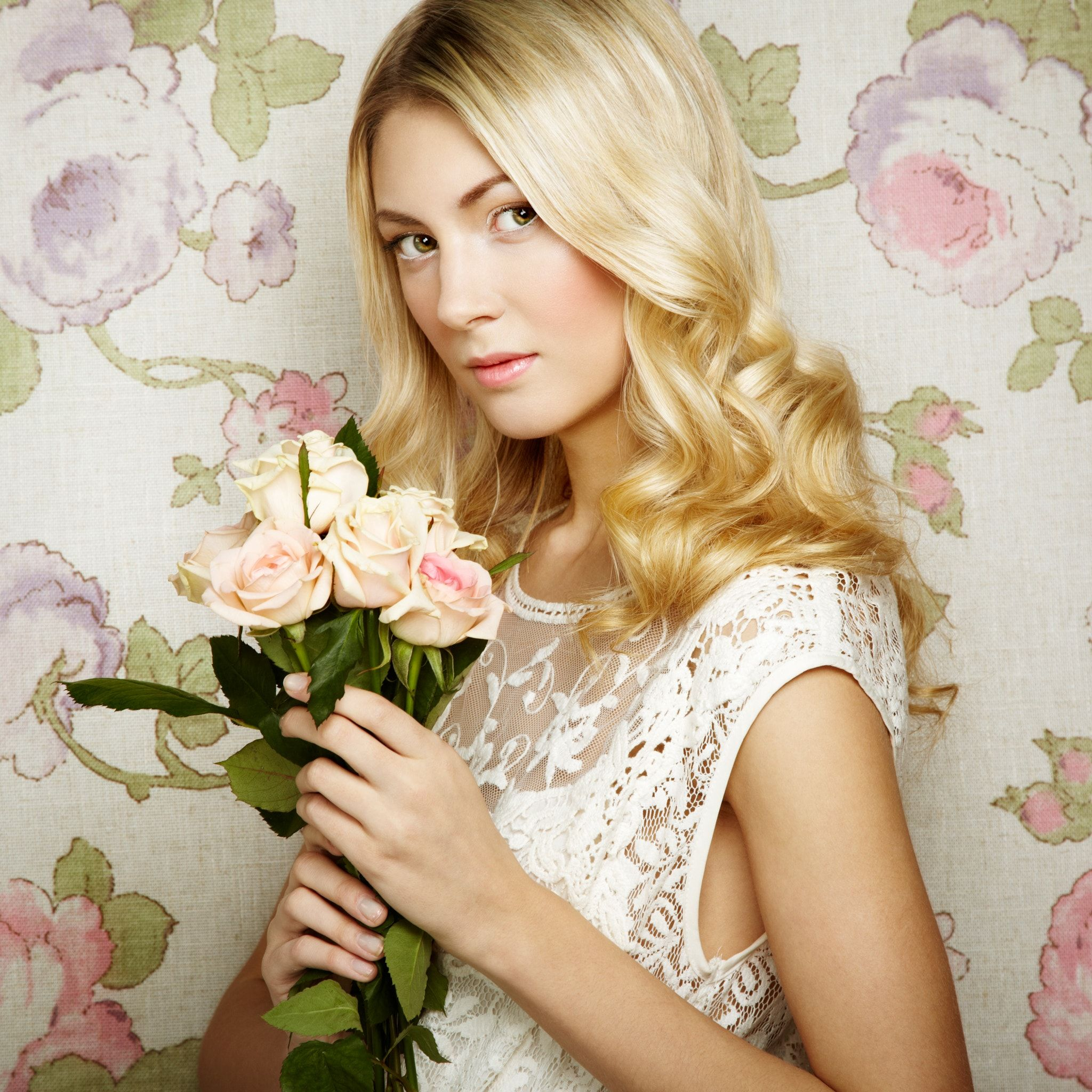 Portrait of a beautiful blonde woman with flowers portrait of a portrait of a beautiful blonde woman with flowers portrait of a beautiful blonde woman with flowers fashion photo izmirmasajfo