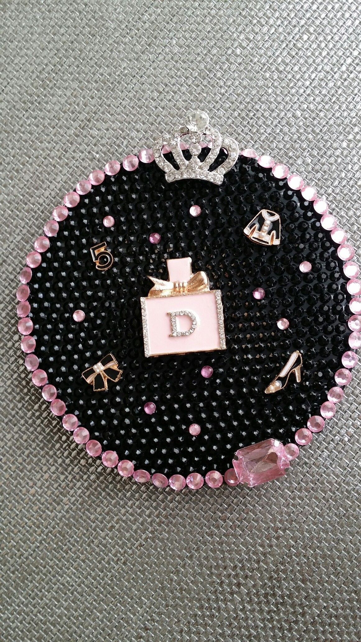 Pink and Black Dior 25 Christmas tree skirt, Girls