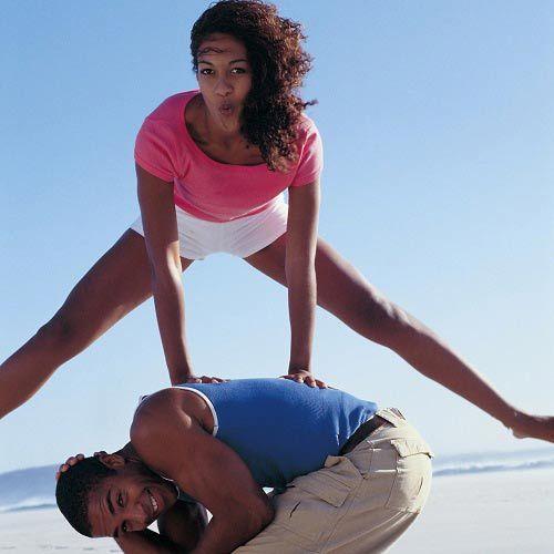 Salto de la rana. Reto físico de mucha agilidad y coordinación. Para competencias por parejas