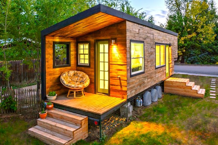 Architect Builds Tiny 196 Square-Foot Dream House From Scratch ...